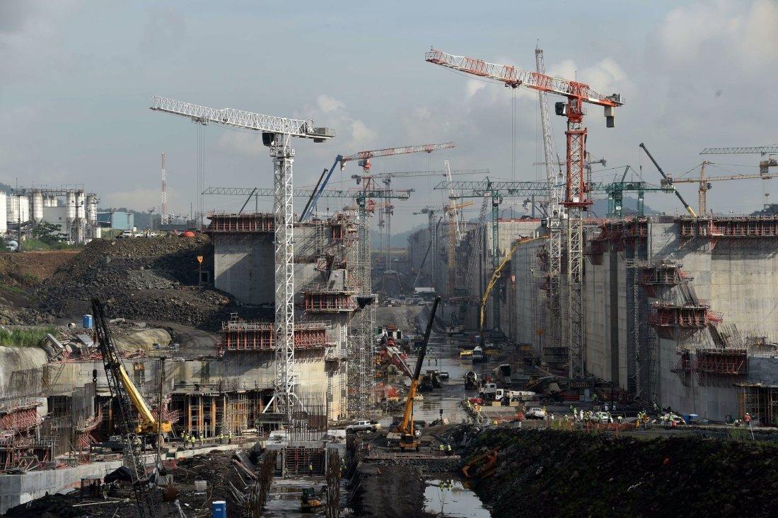 construction of the new Panama Canal locks