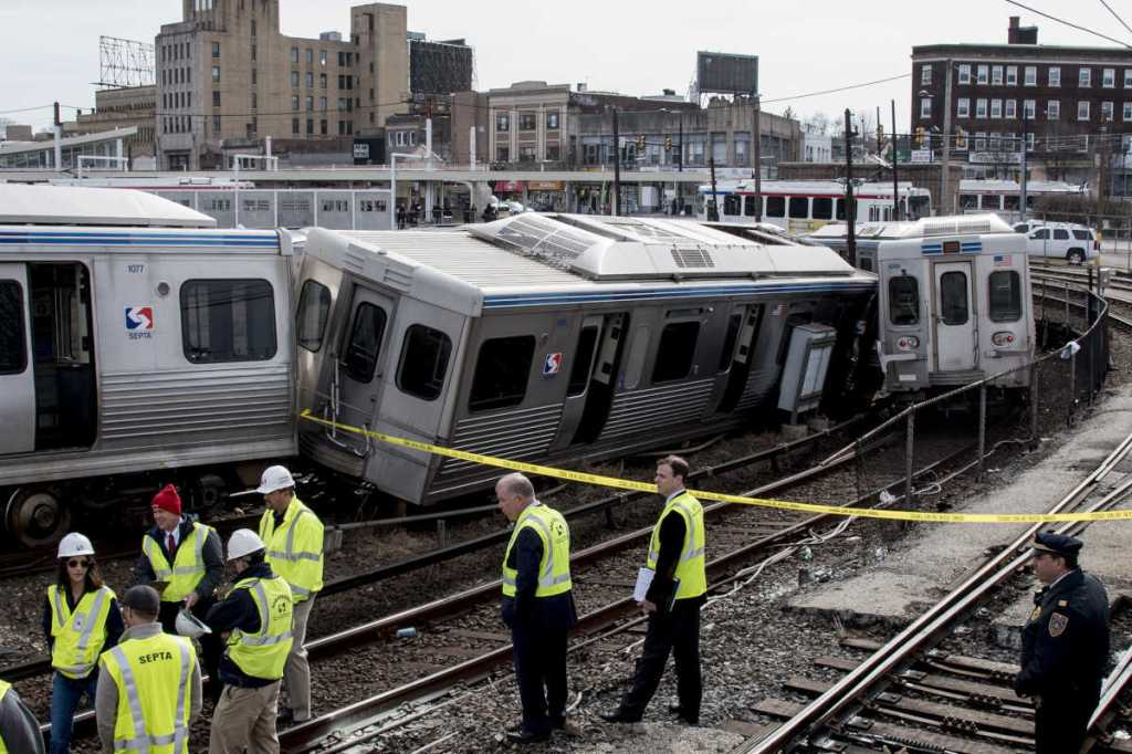 SEPTA Market-Frankford Line the El derailed train